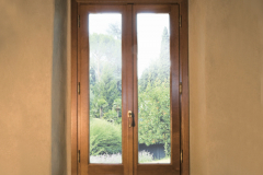 finestra-marrone